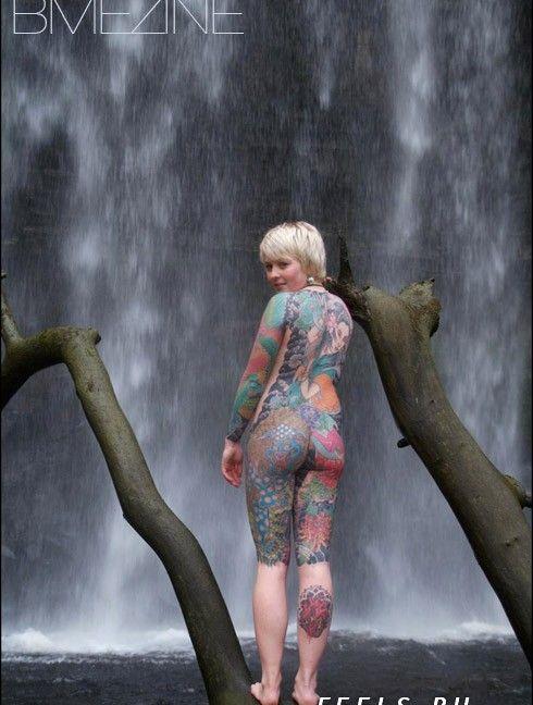 Девушка-татуировка (6 фото)