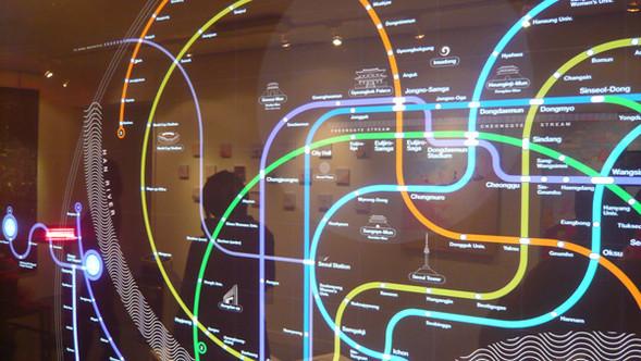 Но карты бывают разные, особенно. карты Сеульской подземки. театр начинается с вешалки, а метро - с.