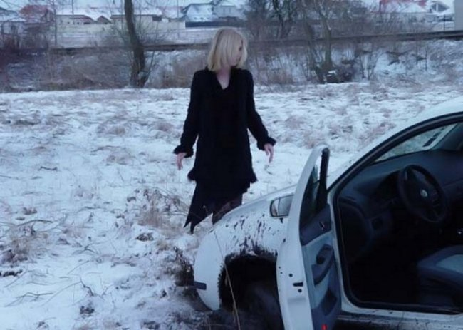 Картинки за рулем девушки зимой