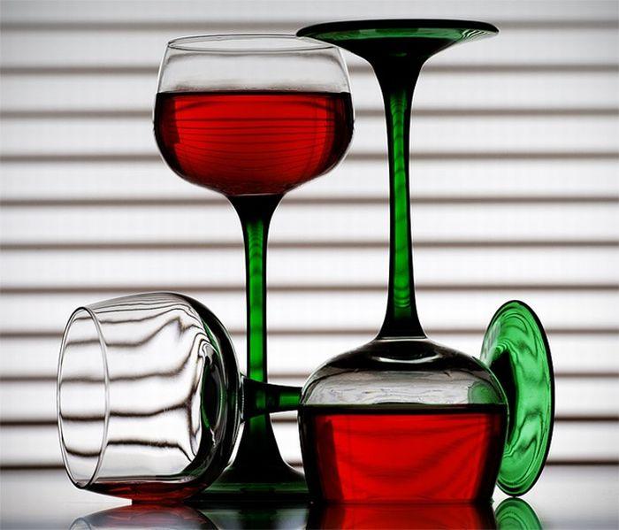 Красивые бокалы с вином