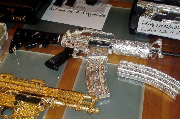 Оружие мексиканского наркобарона Лобо Валенсиа