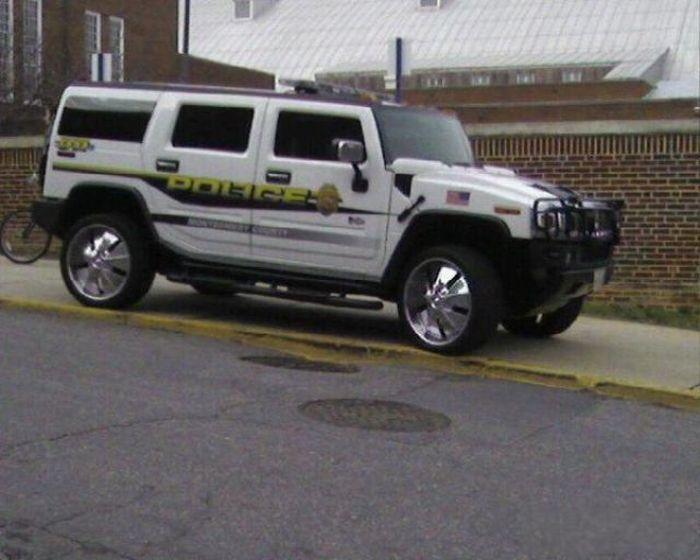 Необычные полицейские автомобили