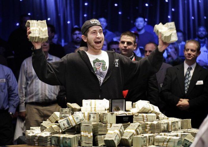 мой сын принёс домой 2000$ я спросила выиграл в казино