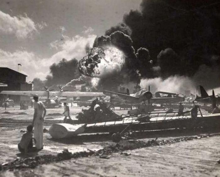 Неизвестные фотографии атаки на Перл-Харбор