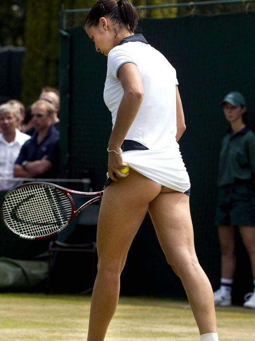 tennisistka-dalas-v-popu