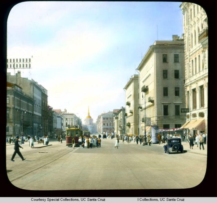 Раскрашенные фотографии Ленинграда до войны