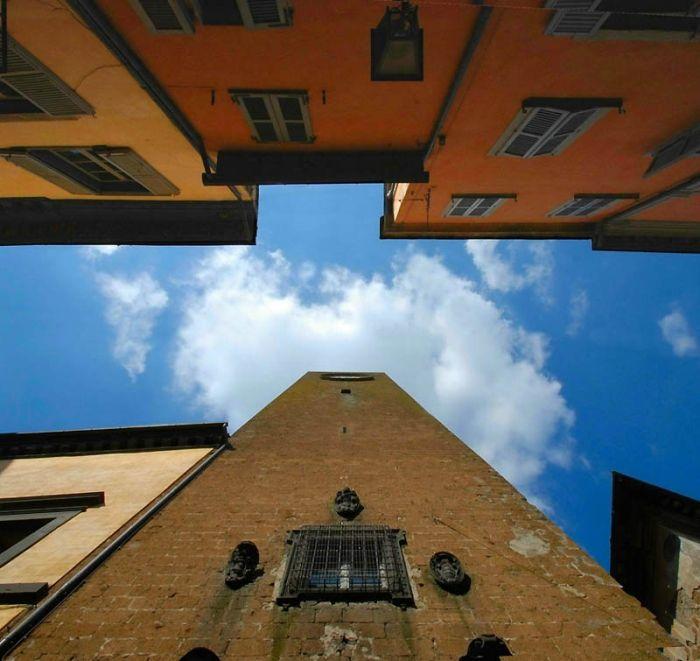 Небо в плену зданий от Стефано