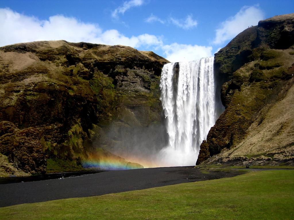 Скогафосc - одно из самых красивых мест Исландии