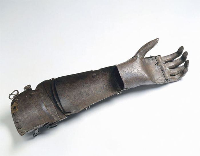 Средневековое протезирование