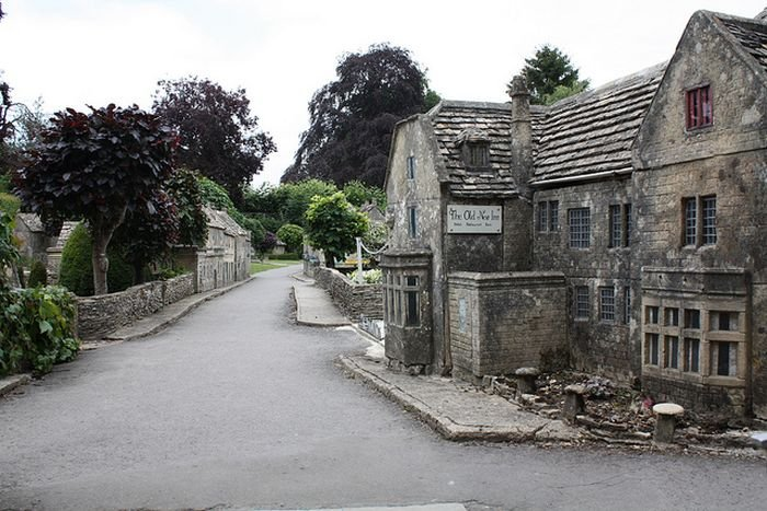 ��������� Bourton-on-the-Water, ��� ������ ����������� ���� ���������