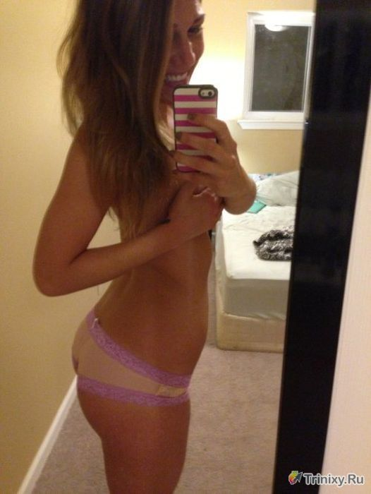 Horny slut Jennifer takes topless selfie and bares ass in thing for self shot № 186530 бесплатно