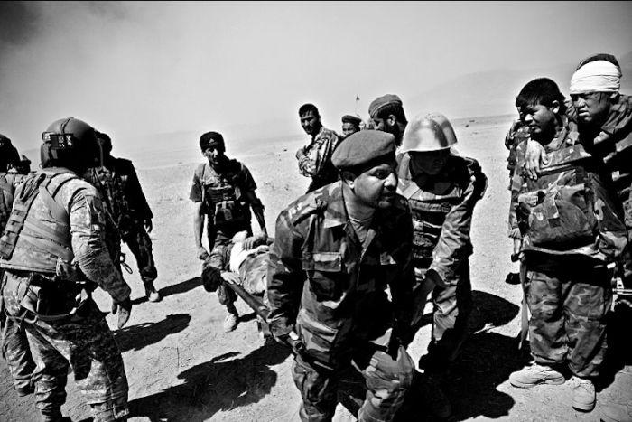Военные медики в Афганистане » Прикольные картинки, фото ...: http://www.rulez-t.info/foto_pics/23898-voennye-mediki-v-afganistane.html