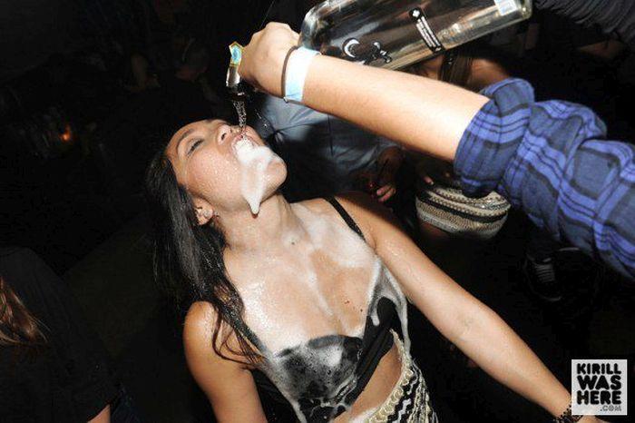 Девушки и шампанское