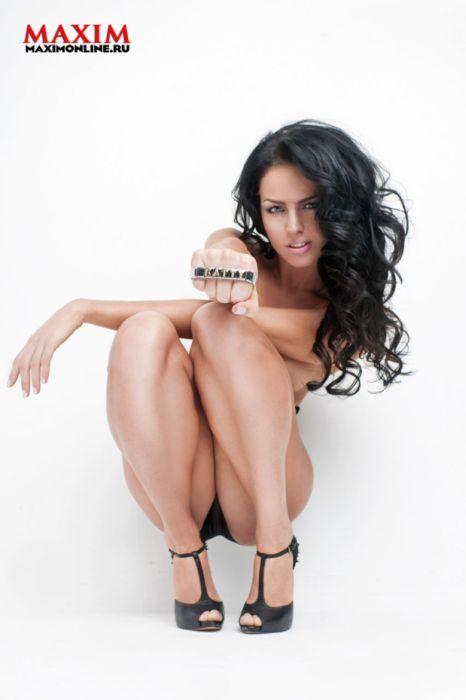 Катя Баженова в откровенной фотосессии для глянцевого журнала