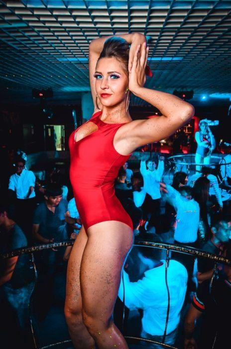 Ночные клубы Астаны. Go-Go танцовщицы