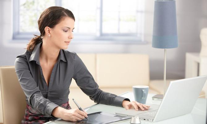 Работа веб моделью для девушек и женщин в вебкам чате на