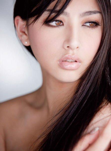 Красивые девки азиатской внешности из социальных сетей
