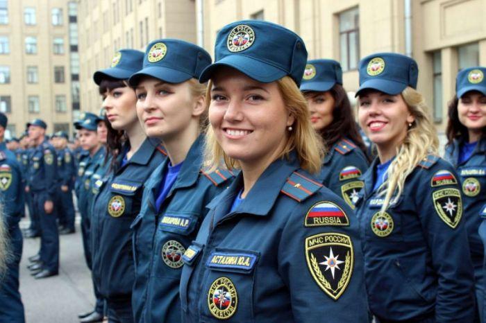 Девушки, состоящие на службе в МЧС России