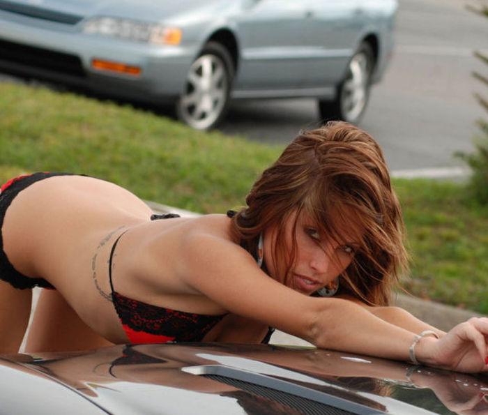 Девушки на автомойке