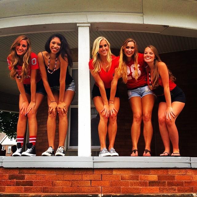 Фото иностранных девушек-студенток