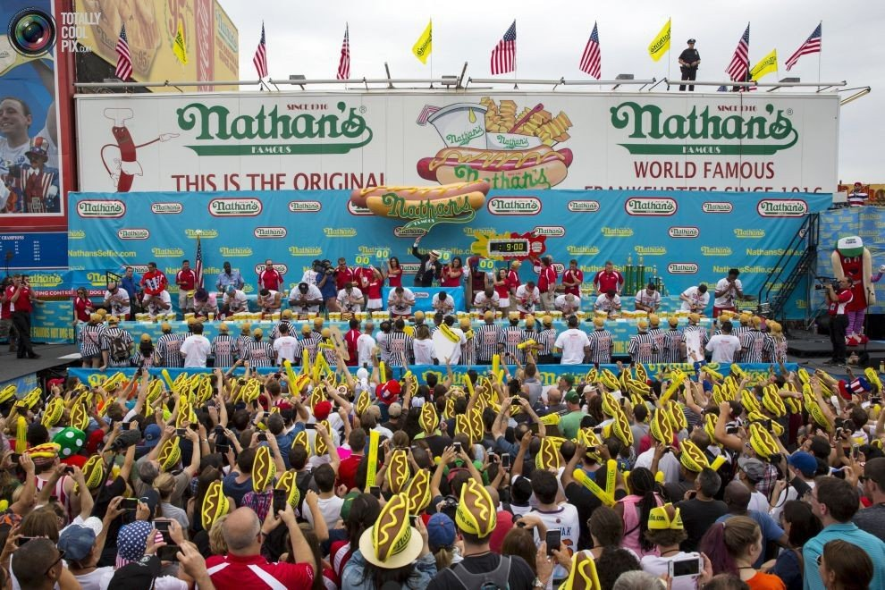 ������������ �� �������� ���-����� Nathan�s Famous (18 ����)