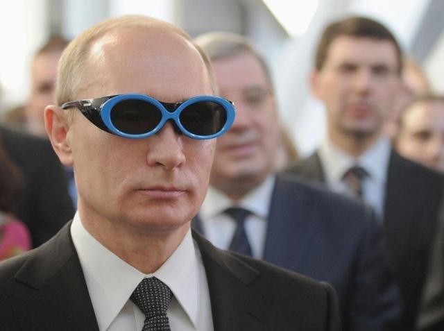 Путин смотрит (48 фото)