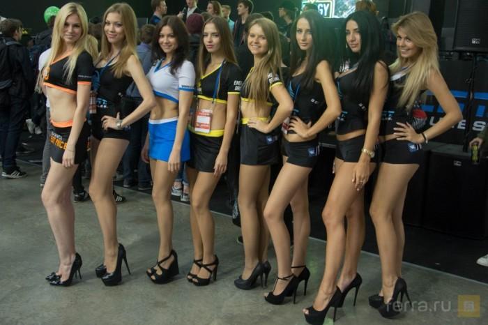 Девушки с фестивалей «ИгроМир 2015» и Comic Con Russia