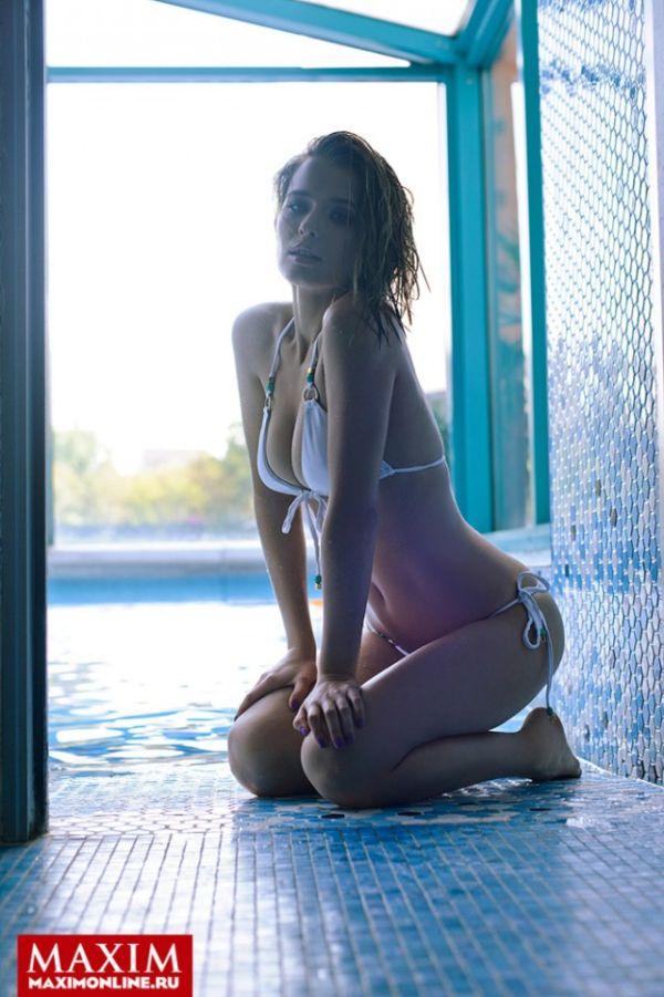 Актриса Любовь Аксенова в свежем выпуске журнала Maxim
