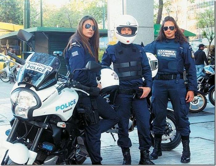 Женщины-полицейские из разных стран мира
