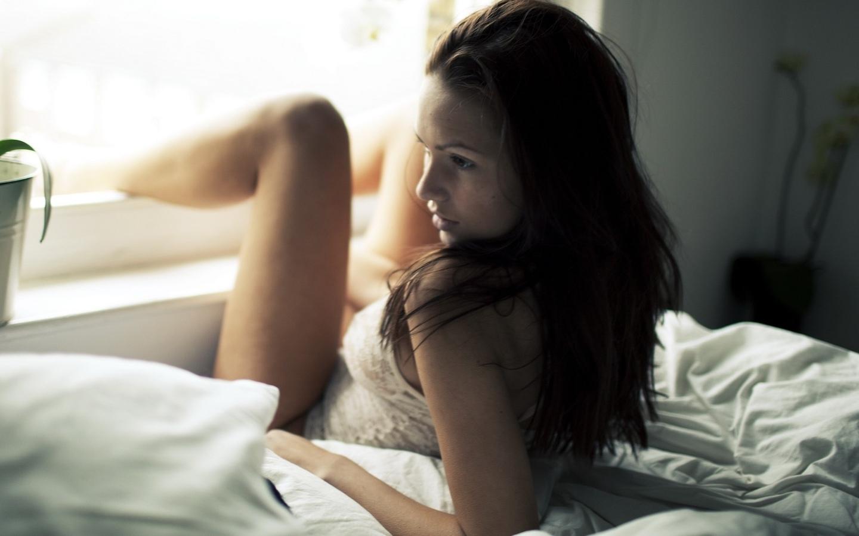 Красивые девушки утром