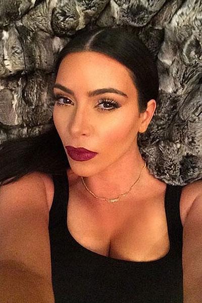 Ким Кардашьян удивила селфи без макияжа