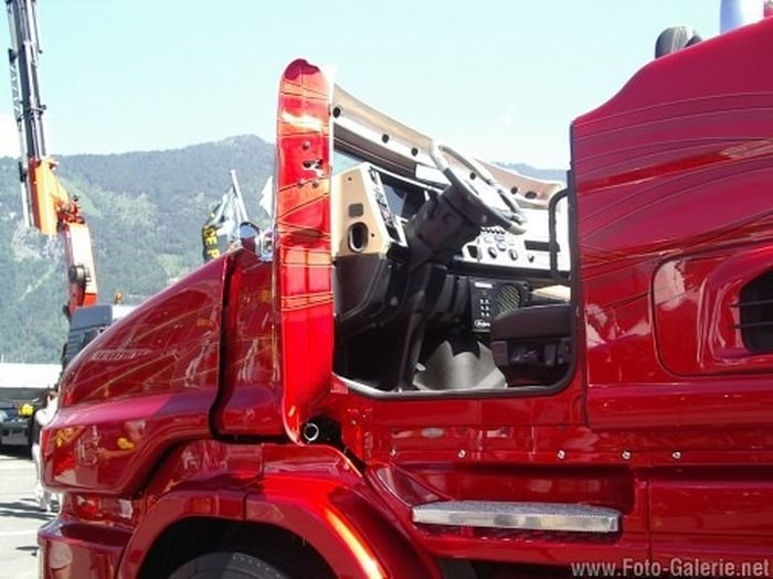 ���������� ��������-��������� Scania R999 Red Pearl