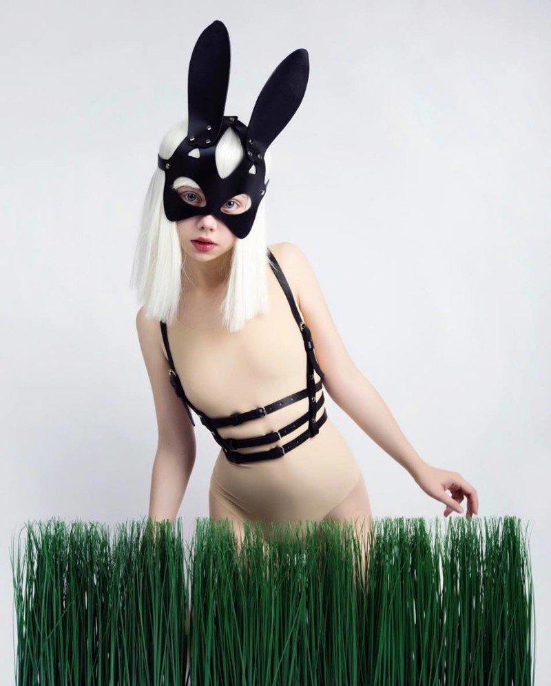 Instagram 22-летней модели и художницы Елены Шейдлиной