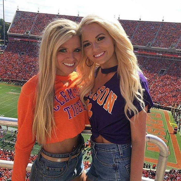 Симпатичные девушки студентки (25 фото)