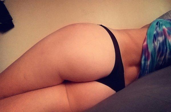 Девушки из Порно (35 фото)