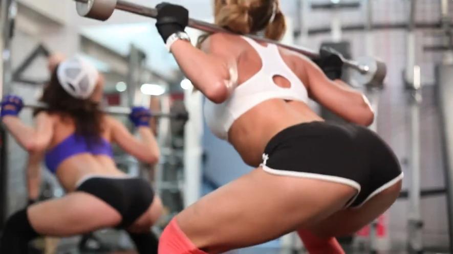 Девушки в спорте: Упражнение приседание Вверх и Вниз