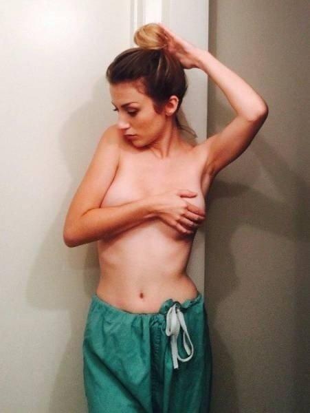 Девушки без бюстгальтеров (40 фото)
