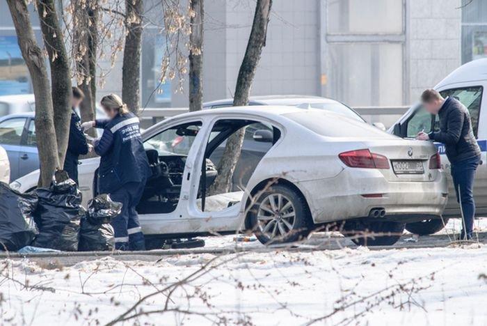 В Москве неизвестные раскурочили автомобиль BMW
