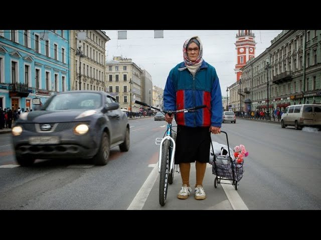 Бабушка на велосипеде (Grandma on a bicycle) Battery Films