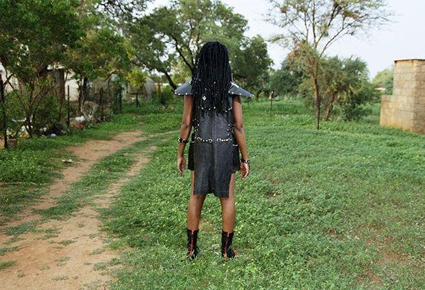 Суровые девушки металлистки Ботсваны