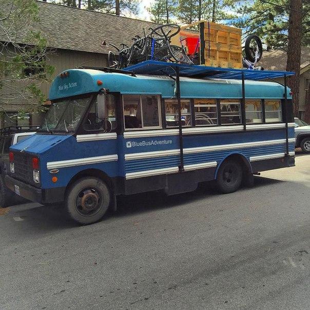 Автобус-дом, сделанный общими усилиями компанией друзей