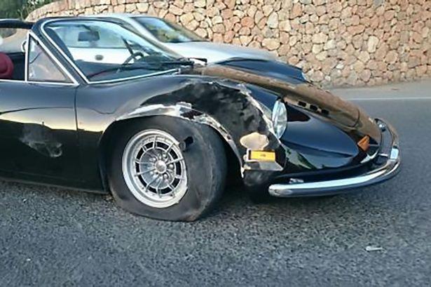 Пьяная девушка разбила раритетный Ferrari