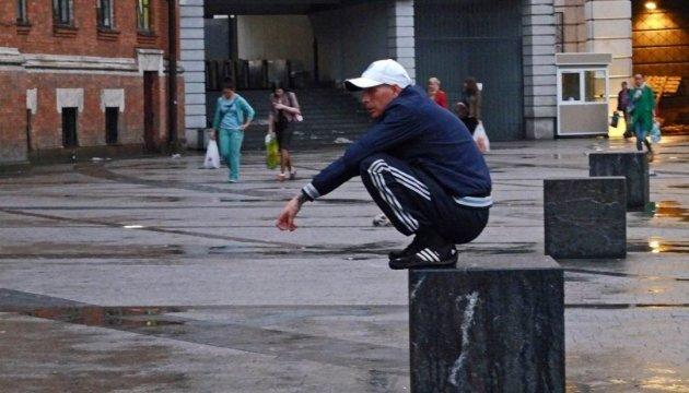 Adidas заявили что закрывают все свои магазины в России
