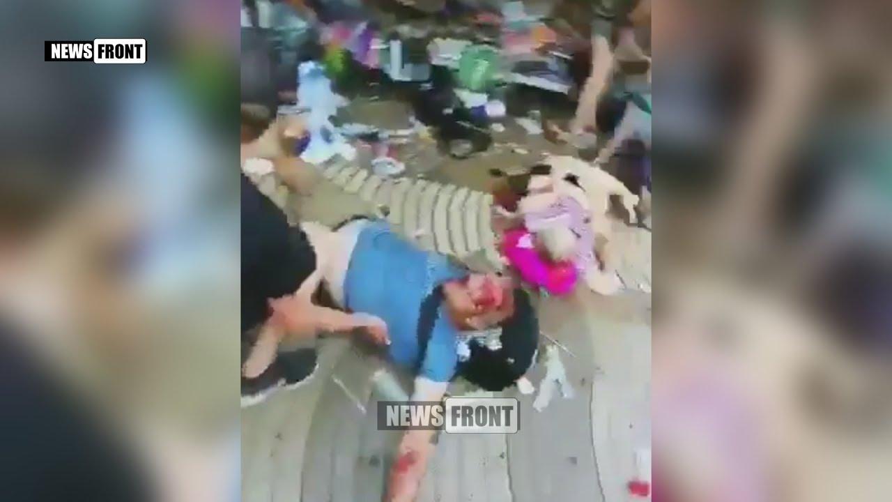 [18+] Теракт в Барселоне: фургон протаранил толпу людей
