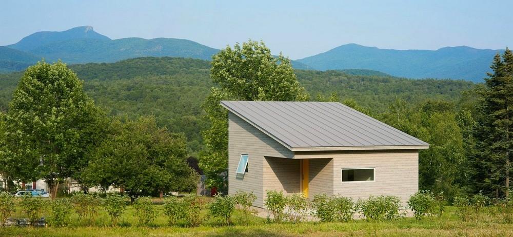 Компактный домик вблизи Зелёных гор в США