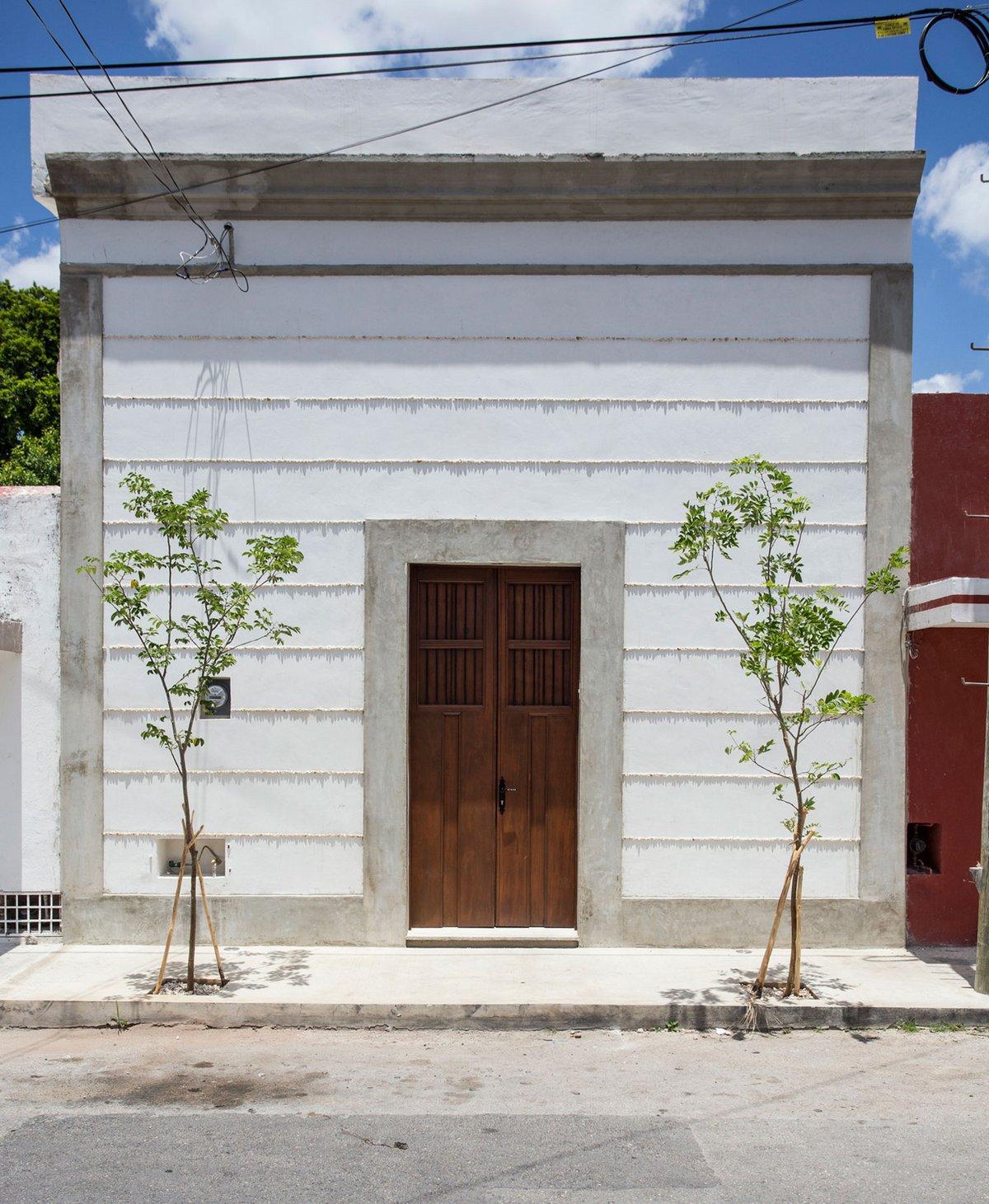 Компактный дом с бассейном в Мексике