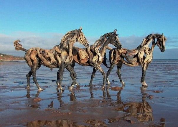 Скульптуры лошадей художница Хизер Янск