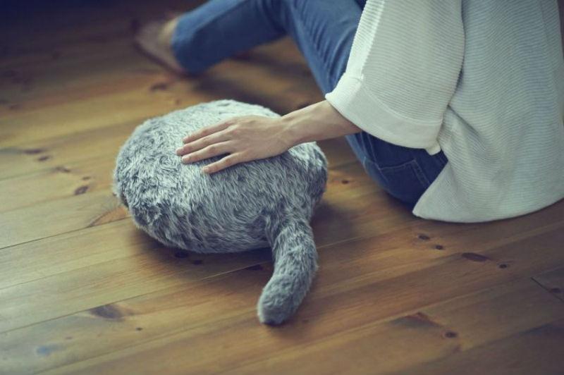 В Японии изобрели домашнего кота робота «Qoobo»
