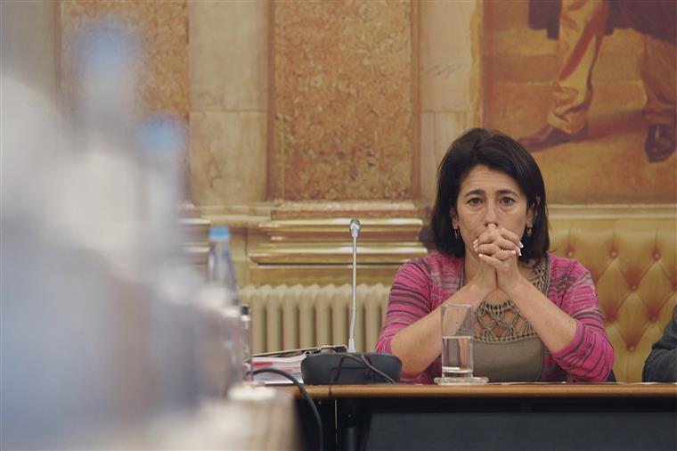 Португальский министр Констанца Урбано де Соуза уходит в отставку