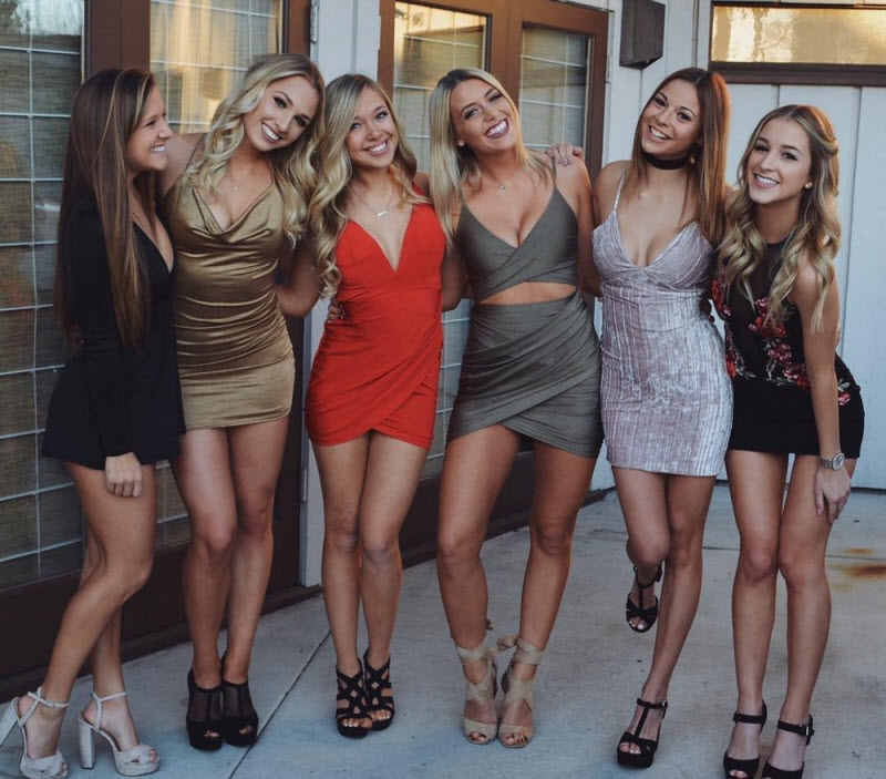 Девушки в обтягивающих платьях (40 фото)